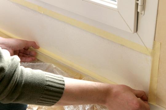 consommation eliminer des taches d 39 humidit entourer d 39 adh sif. Black Bedroom Furniture Sets. Home Design Ideas