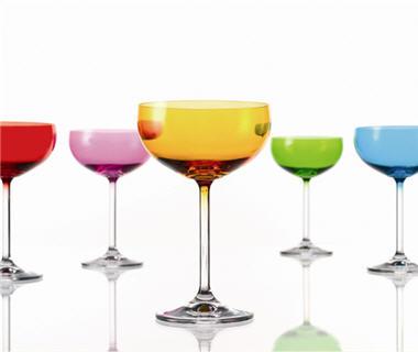 comment choisir un champagne les accessoires autour du champagne coupes prisma montana. Black Bedroom Furniture Sets. Home Design Ideas