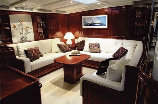 Windrose 10 voiliers de r ve en vente for Bateau de luxe interieur