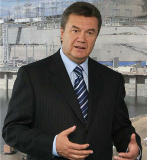http://www.linternaute.com/actualite/savoir/06/presidents-2006/images/viktor-ianoukovitch.jpg