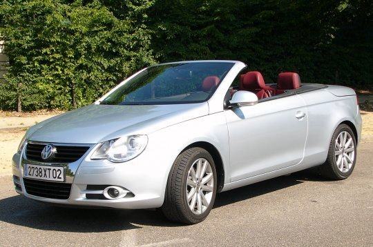 volkswagen eos le nouveau coup cabriolet eos de volkswagen en images un r sultat prometteur. Black Bedroom Furniture Sets. Home Design Ideas