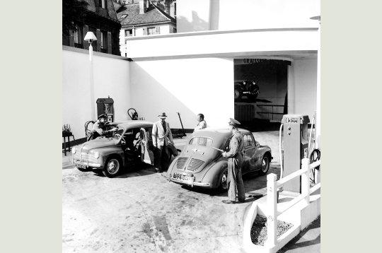 Garages ambiances d 39 hier dominique bagneux r glement de comptes ok corral - Garage renault boulogne billancourt ...