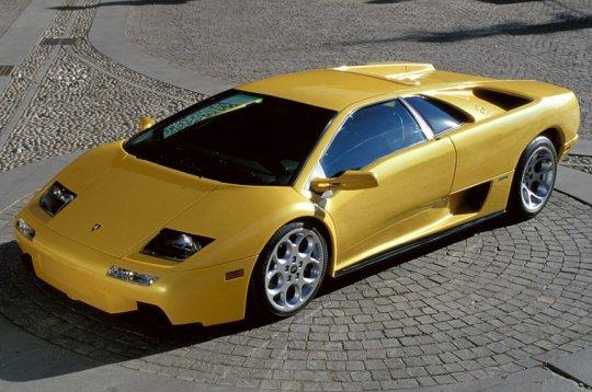 [img]http://www.linternaute.com/imprimer/auto/diaporama/les-plus-belles-italiennes/images/6-Lamborghini-Diablo.jpg[/img]