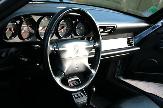 Un int rieur fid le la premi re 911 porsche 911 type for Interieur 911