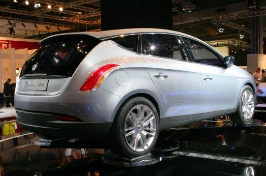 http://www.linternaute.com/auto/salons-mondial/mondial-paris/06/diaporama/concepts-cars/images/12-lancia-delta-hpe.jpg