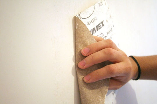 bricolage probl me de fissures poncer au grain fin. Black Bedroom Furniture Sets. Home Design Ideas