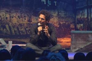 Tomer Sisley : Stand up !