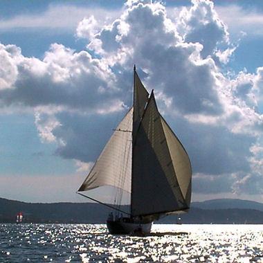 The love boat - Chapitre 4 - Premier round dans Les chroniques d'Edouard 4-voilier-frederic-espinos