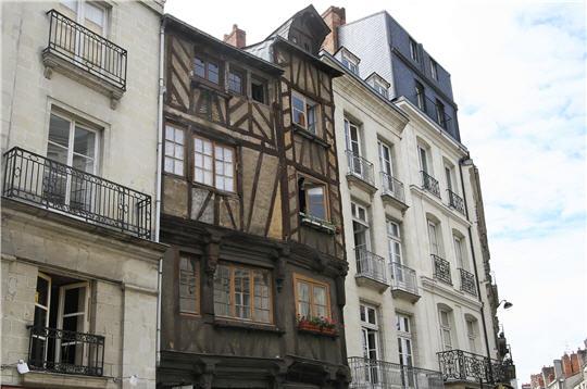 Encore dix maisons pans de bois nantes for Maison des temps modernes