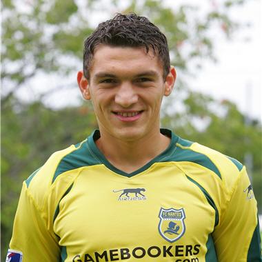 Keserü signe 2 ans à Angers