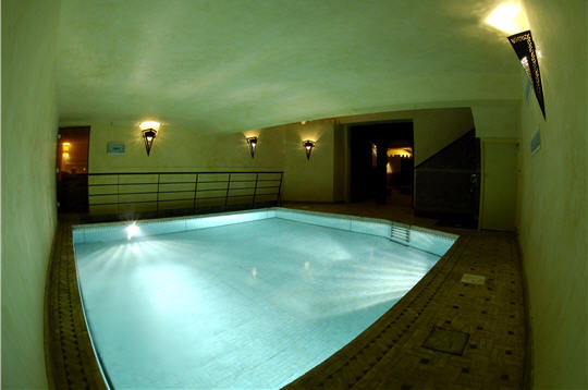 le hammam les cent ciels la piscine. Black Bedroom Furniture Sets. Home Design Ideas