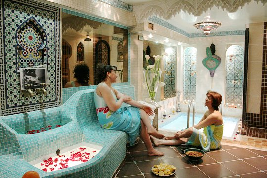 Le hammam montorgueil la salle ti de for Salle de bain style hammam