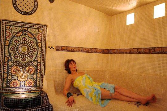 Oasis le hammam ce bain maure for Portent en arabe