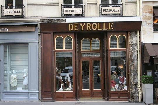 Deyrolle - Poltrona frau rue du bac ...