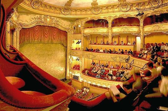 http://www.linternaute.com/paris/magazine/l-athenee-renaissance-d-un-theatre/image/50383.jpg