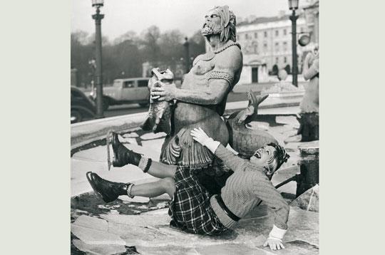Paris et la Parisienne dans Photographies du Paris d'hier et d'aujourd'hui 53661