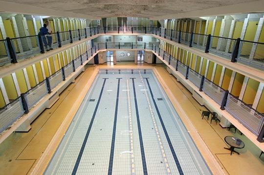 Paris la piscine des amiraux xviiie horaires for Piscine des amiraux