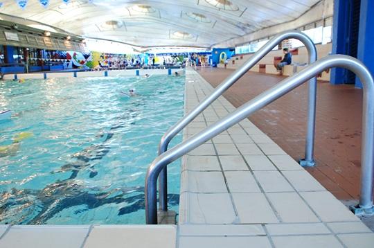 Paris la piscine roger le gall xiie le solarium for Piscine paris naturiste