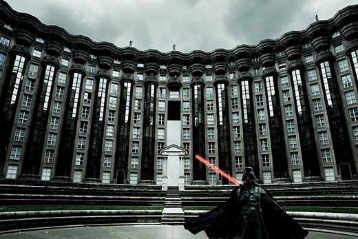 Pictures of Star Wars characters in urban backgrounds. 17 Sep 2007