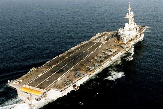 le porte-avions fran u00e7ais charles de gaulle
