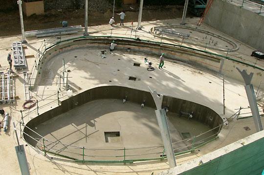 Le chantier de la piscine et patinoire pailleron les for Piscine pailleron