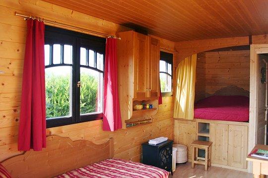 les roulottes des feuillants et la ferme des logis besm. Black Bedroom Furniture Sets. Home Design Ideas