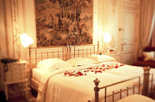 les palaces parisiens le ritz paris la chambre saint valentin. Black Bedroom Furniture Sets. Home Design Ideas