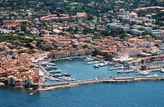 http://www.linternaute.com/sortir/diaporama_mer_vue_du_ciel/images/Saint_Tropez(83).jpg