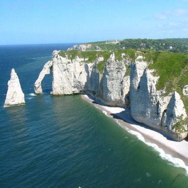 Vos bons coins en normandie les falaises d 39 etretat - Office de tourisme d etretat ...