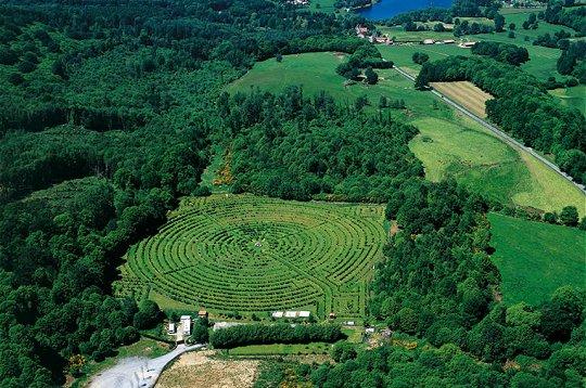 http://www.linternaute.com/sortir/labyrinthe/images/labyrinthe-mont-gueret.jpg