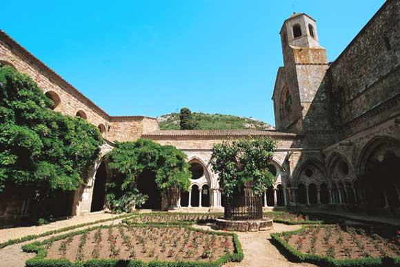 abbaye de fonfroide  france  un patrimoine magnifique