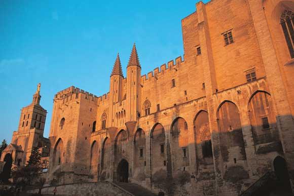 palais des papes d u0026 39 avignon  france  un patrimoine magnifique