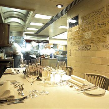 restaurants brasseries et bistrots bruxellois comme chez soi. Black Bedroom Furniture Sets. Home Design Ideas