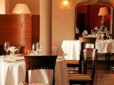 Table rabattable cuisine paris une table au sud - Restaurant une table au sud marseille ...