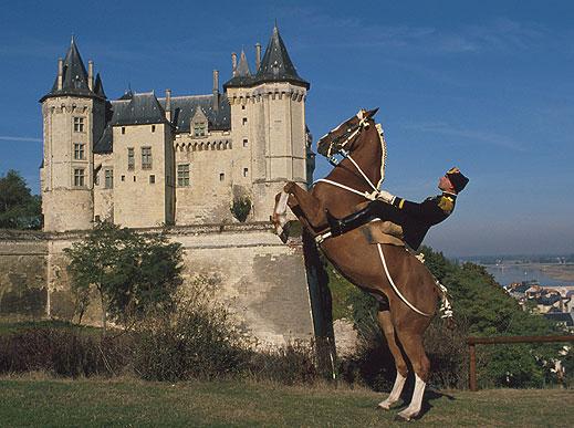 1.-courbette-chateau-copier.jpg