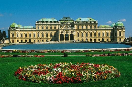 Architecture baroque el gance et raffinement vienne for L architecture baroque