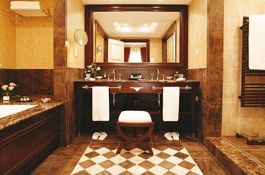 Chambre Luxe Lyon : Voyager : Luxe à Monaco – Raffinement dans la salle de bain