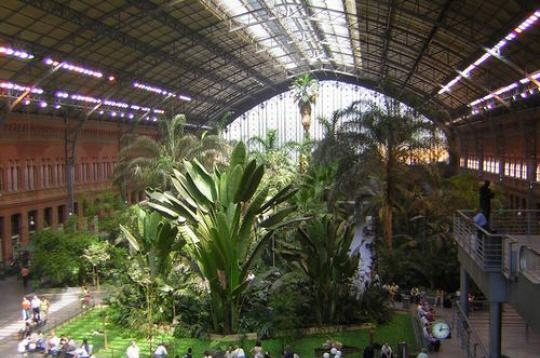 Voyager madrid gare d 39 atocha for Jardin tropical atocha