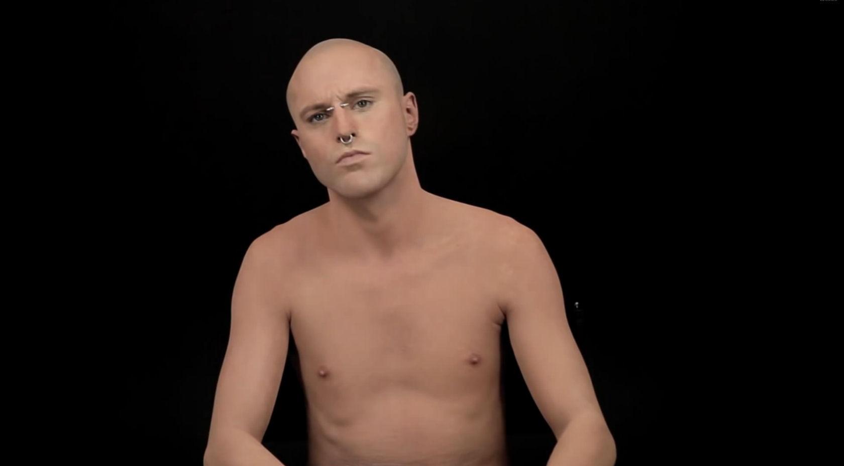 L 39 incroyable transformation de l 39 homme le plus tatou au monde - L homme le plus beau au monde ...